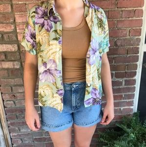 Retro vintage style button up top